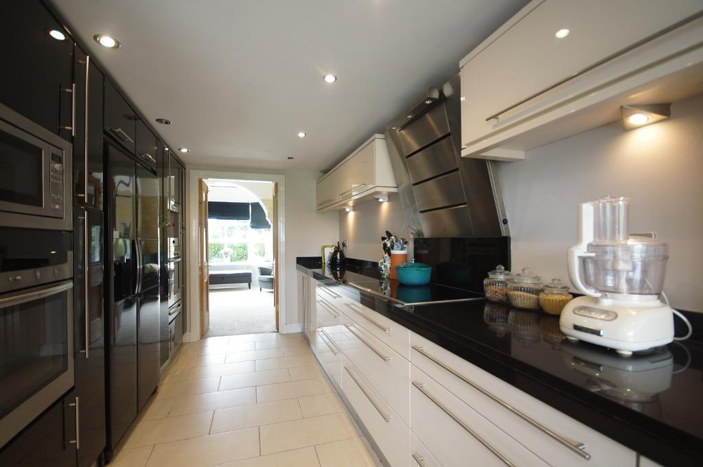 5 Bedroom Detached For Sale In Dover Road Birkdale Southport